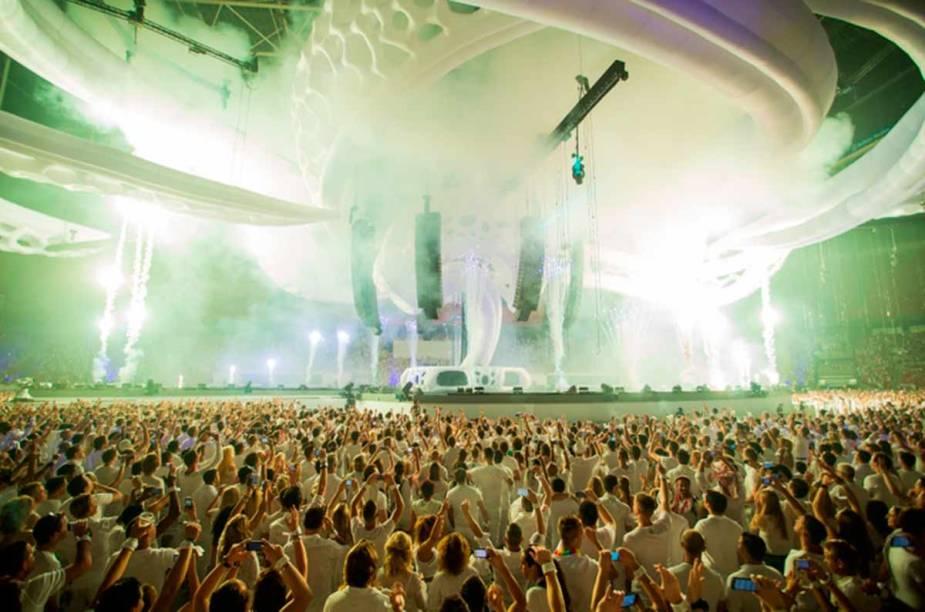 <strong>Sensation Amsterdã </strong>    No dia 05 de julho mais de 40.000 amantes de música eletrônica se encontram no Sensation Amsterdã para apreciar os melhores de djs do cenário eletrônico.