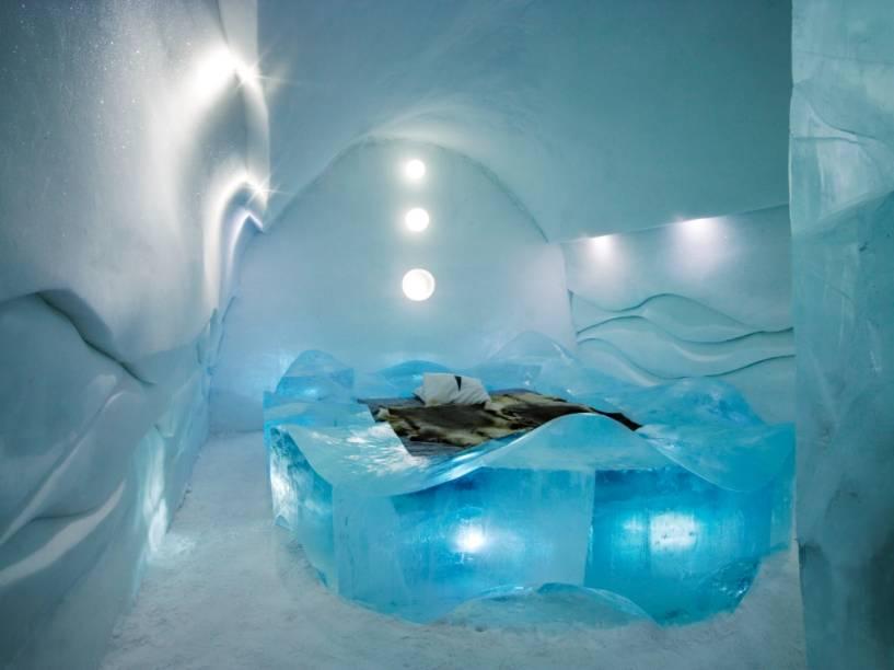 Cada quarto do Ice Hotel possui suas próprias características, esculpidas cada qual por um artista diferente. Muito do conceito do hotel é derivado do tradicional Festival da Neve de Sapporo, no Japão, país de origem dos autores da suíte Bedtime Story, de Natsuki e Shingo Saito