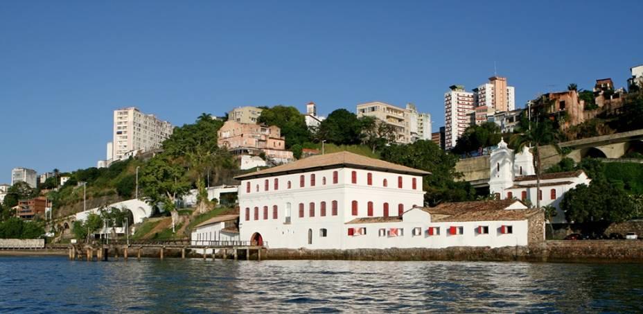 O Solar do Unhão, construção do século 16 banhada pela Baía de Todos os Santos, sedia atualmente o Museu de Arte Moderna da Bahia