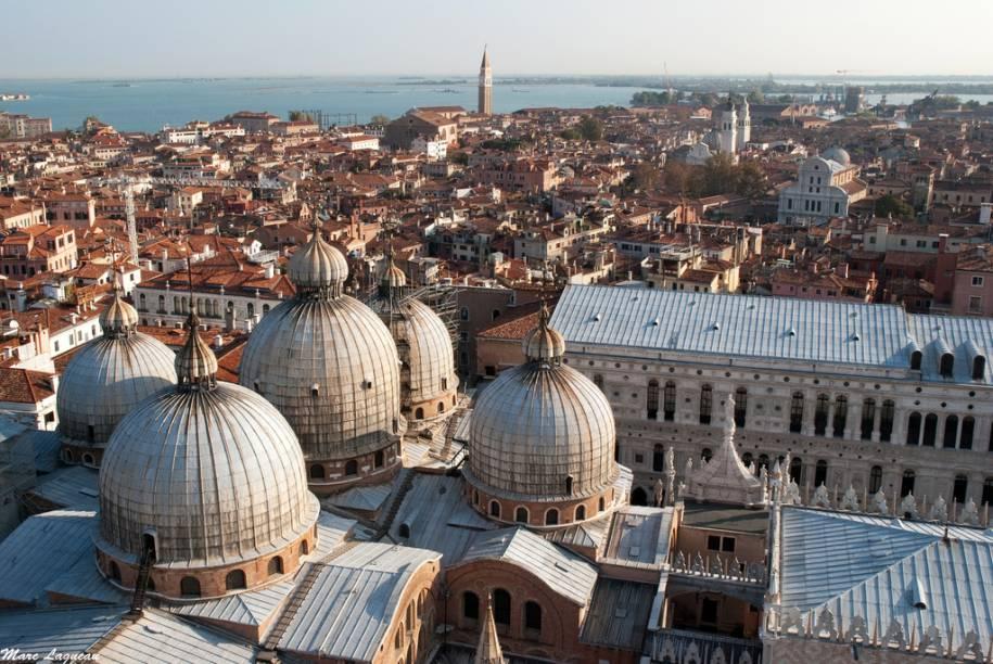 Cúpulas de São Marco, dominando o horizonte de Veneza