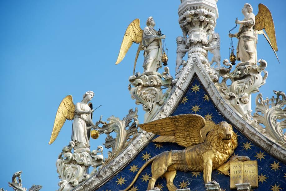 Detalha da fachada da Basílica de San Marco