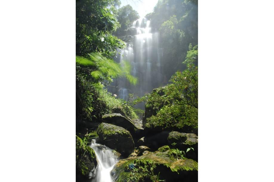 São Gonçalo do Rio das Pedras, Minas Gerais, é procurada por suas cachoeiras e trilhas