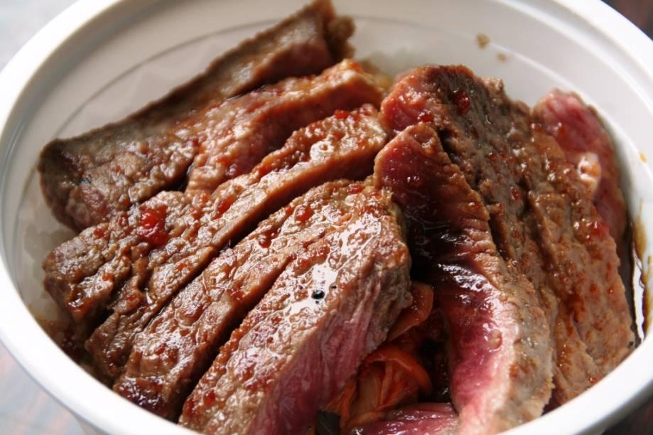 Pratos a base de carne são muito populares em Hokkaido, que possui um dos melhores gados de corte de todo o Japão