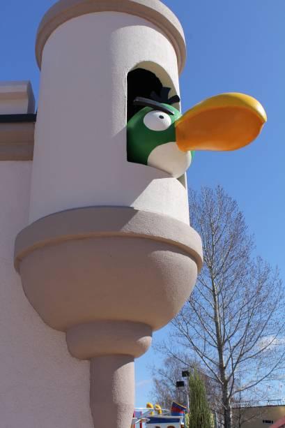 O <em>Boomerang Bird </em>aguarda no alto da torre para aplicar o golpe