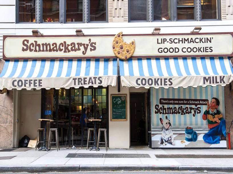 """<strong><a href=""""http://schmackarys.com/"""" rel=""""Schmackarys"""" target=""""_blank"""">Schmackarys</a></strong>                                A casa tem uma variedade enorme de cookies que valem uma boa pausa para um café da tarde. Entre os sabores que se destacam, além do clássico de chocolate, estão o de caramelo, manteiga de amendoim, limão e blueberry.<em>362 West 45th Street,10036</em>"""