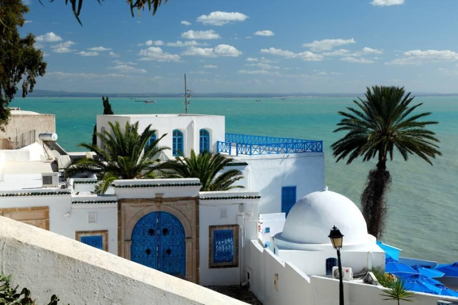 O navio também passará por Túnis, na Tunísia