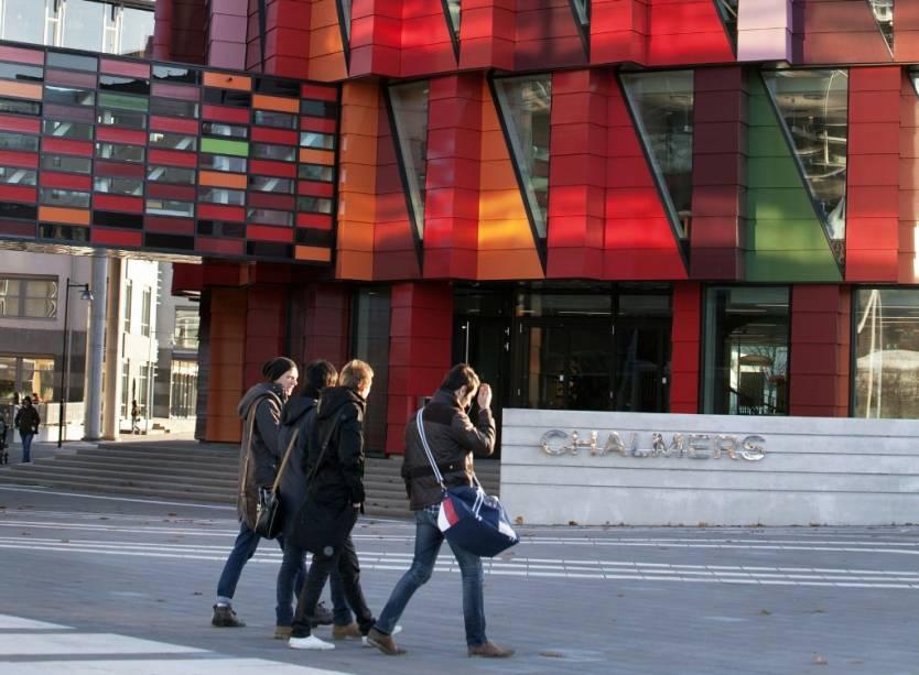 O edifício Kuggen, na Universidade Chalmers, em Gotemburgo, é um exemplo bem acabado de construção verde, com tecnologias inovadoras para demandas em ventilação, iluminação, calefação e refrigeração. Ele abriga escritórios do centro sobre empreendedorismo e inovação
