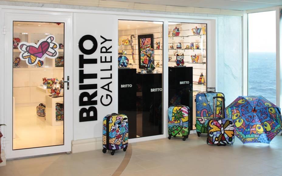 Loja com produtos do artista pop Romero Britto fica a bordo do navio