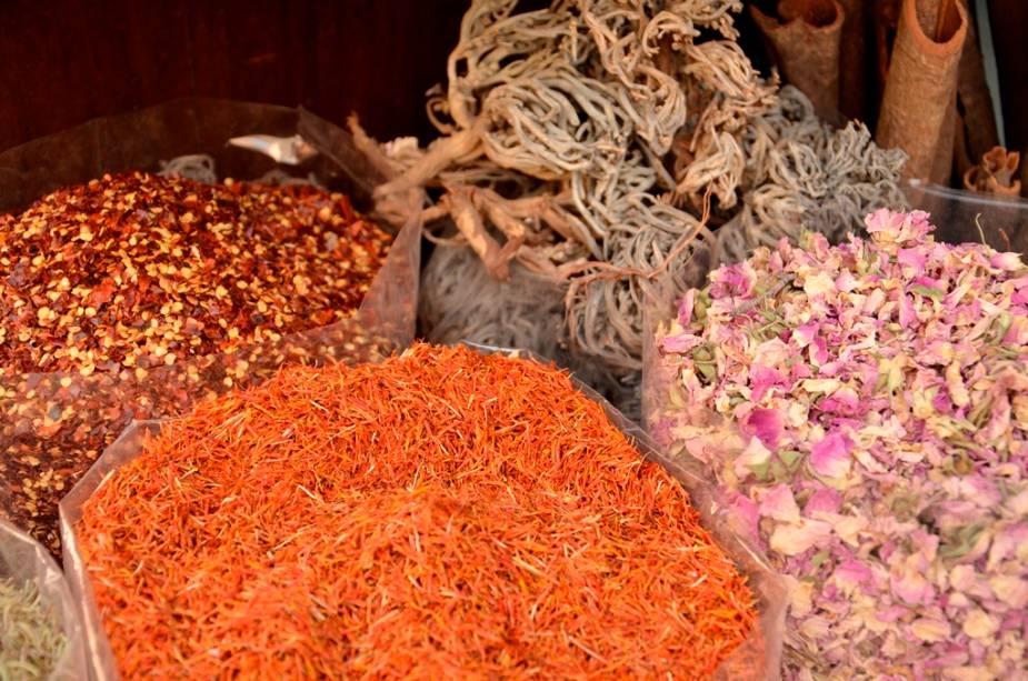No Spice Souq o turista encontra aromas e sabores incríveis, como o de incenso de olíbano, açafrão, pimentas e mirra
