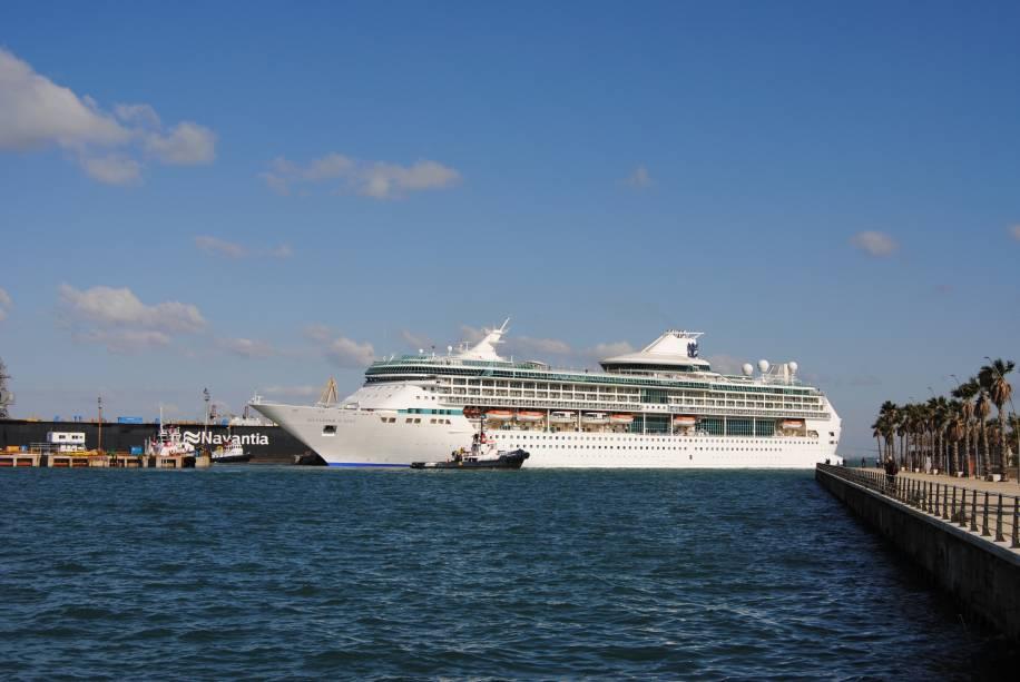 O Splendour of the Seas foi inaugurado em 1996 e reformado 2011