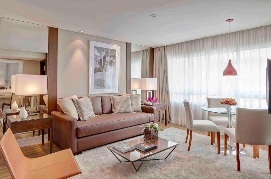 Suíte com 117 m² de área; o maior quarto do Etoile Gorge V Jardins tem 182 m²