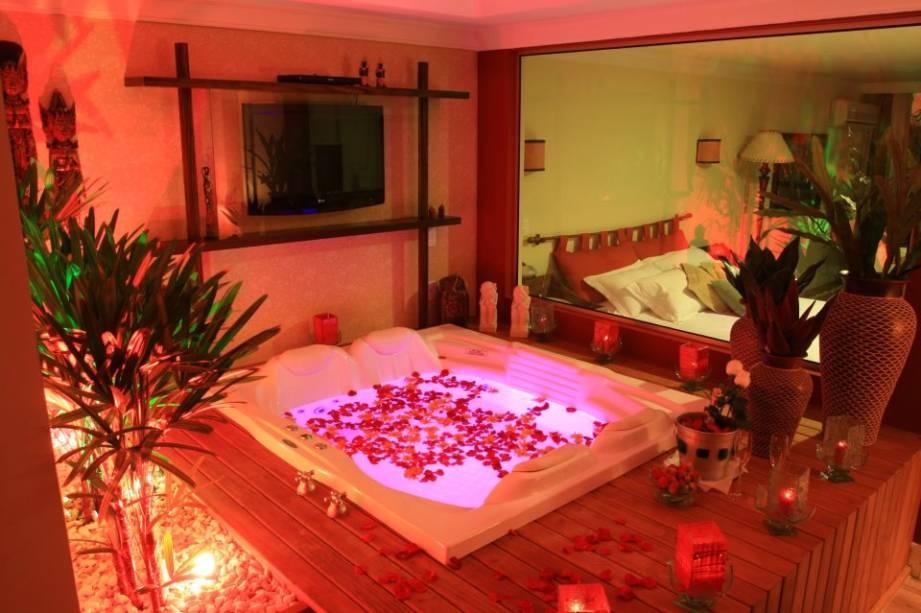 No hotel <strong>Varanda das Bromélias</strong>, em Gramado, todos os apartamentos têm equipamentos modernos e decoração caprichada. Na suíte Paprika, cores fortes compõem o cenário