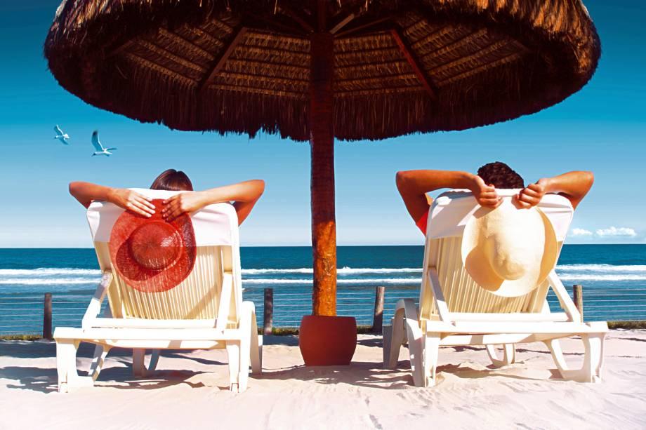 """<a href=""""http://viajeaqui.abril.com.br/estabelecimentos/br-pe-porto-de-galinhas-hospedagem-summerville-beach-resort"""" rel=""""Summerville Beach Resort"""" target=""""_blank""""><strong>Summerville Beach Resort</strong></a>        Relaxar é a palavra de ordem no Summerville Beach Resort. Enquanto os adultos podem descansar na piscina, no spa ou na praia, as crianças participam de atividades no Summer Kids – um espaço com brinquedos, spa infantil (tem até miniofurô), um bom conjunto de piscinas e playground."""
