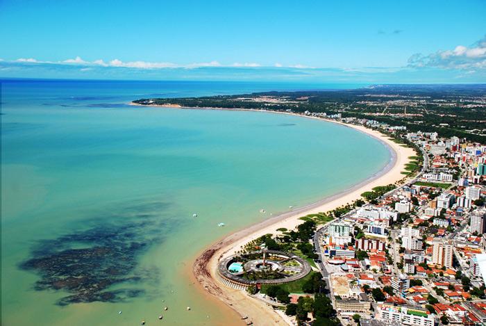 """<strong><a href=""""http://viajeaqui.abril.com.br/estabelecimentos/br-pb-joao-pessoa-atracao-praia-tambau"""" target=""""_blank"""">Tambaú</a></strong><strong>–</strong><strong><a href=""""http://viajeaqui.abril.com.br/cidades/br-pb-joao-pessoa"""" target=""""_blank"""">João Pessoa (PB)</a></strong>"""