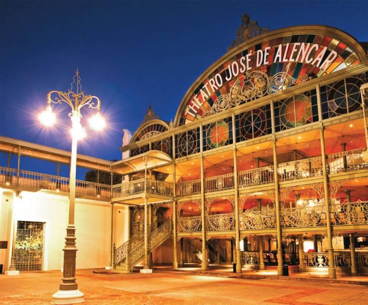 O belo Theatro José de Alencar, construção de 1910