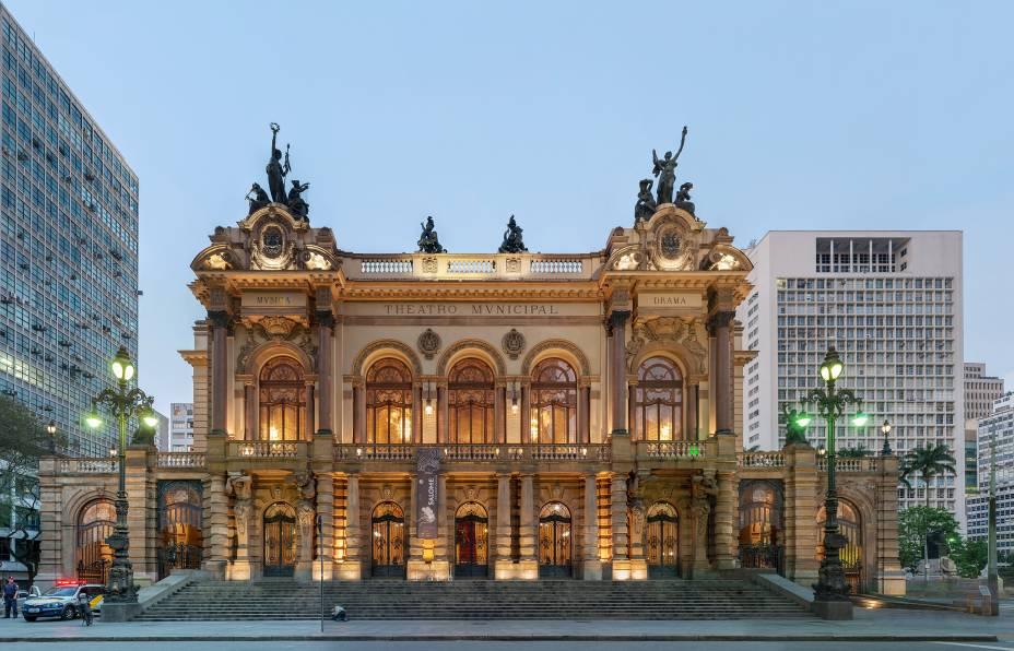 O Theatro Municipal, inspirado na Ópera de Paris