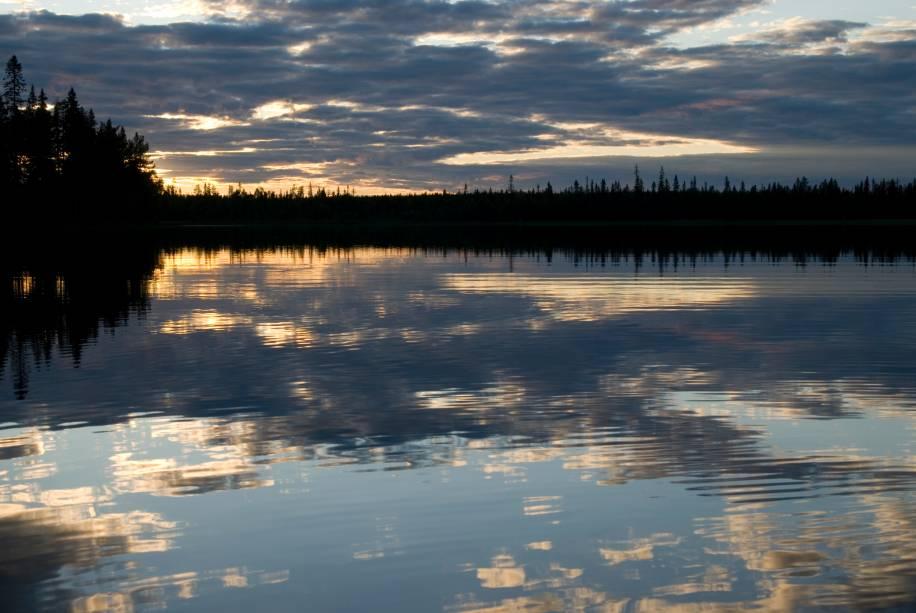 Por estar localizado em uma região da Europa setentrional, no extremo Hemisfério Norte, a Suécia é um dos países suscetíveis ao fenômeno do sol da meia noite
