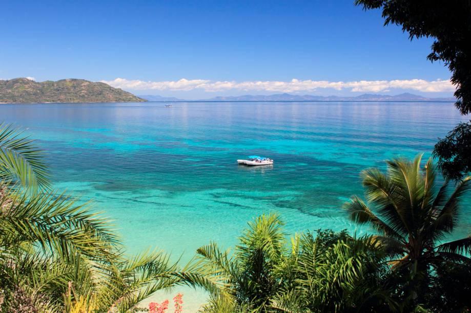 As praias têm o sugestivo nome de Mar Esmeralda, areia branquinha e água tão azul quanto as do Caribe