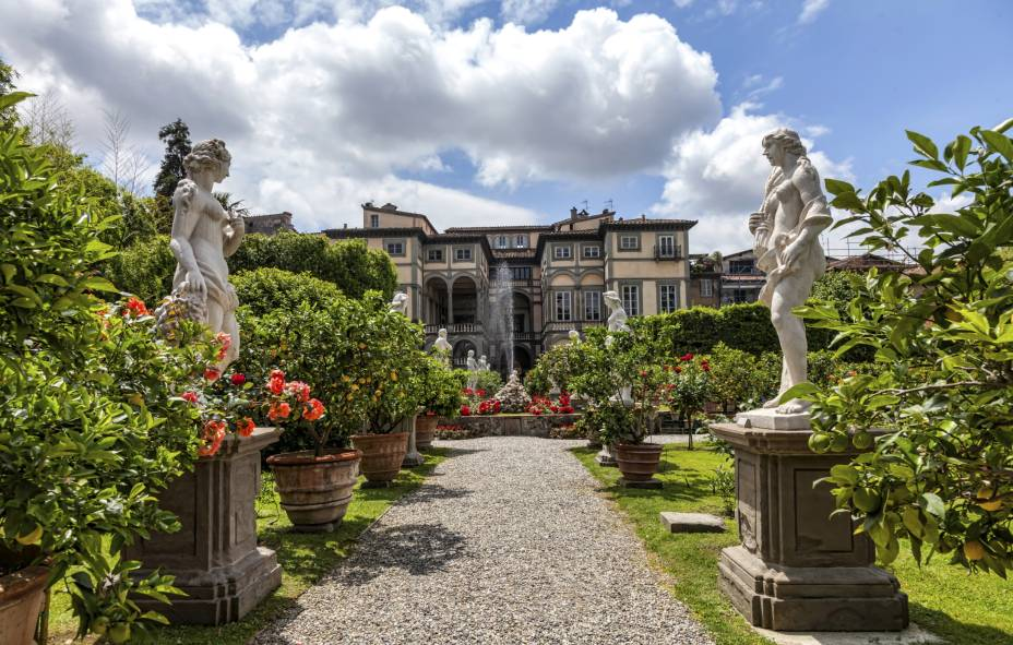 "Jardins do Palazzo Pfanner, em <a href=""http://viajeaqui.abril.com.br/cidades/italia-lucca"" rel=""Lucca"">Lucca</a>"