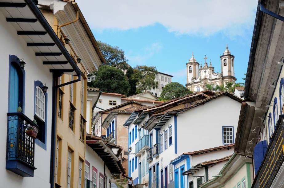 """<a href=""""http://viajeaqui.abril.com.br/cidades/br-mg-ouro-preto/"""" rel =""""Ouro Preto (MG)"""" Ziel =""""_leer"""">        Ouro Preto (MG) possui um conjunto arquitetônico inédito"""" class=""""lazyload"""" data-pin-nopin=""""true""""/></div> <p class="""