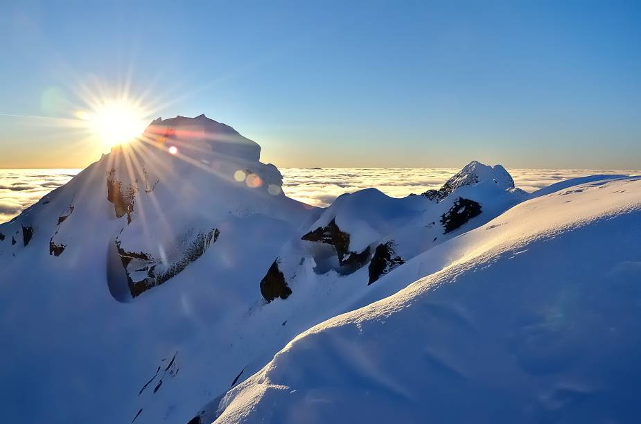 A visão das montanhas da Eslováquia durante o inverno