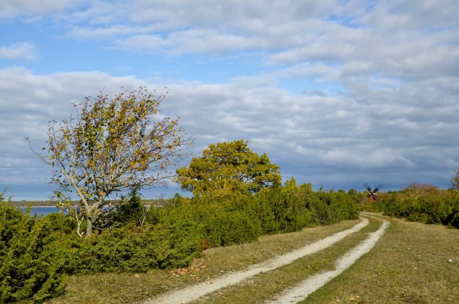 O país possui muitos cenários bucólicos, que ganham maior notoriedade durante o outono