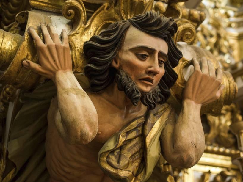 """Detalhe do altar da <a href=""""http://viajeaqui.abril.com.br/estabelecimentos/br-ba-salvador-atracao-igreja-e-convento-de-sao-francisco"""" rel=""""Igreja e Convento de São Francisco"""" target=""""_blank"""">Igreja e Convento de São Francisco</a>, no <a href=""""http://viajeaqui.abril.com.br/estabelecimentos/br-ba-salvador-atracao-pelourinho"""" rel=""""Pelourinho"""" target=""""_blank"""">Pelourinho</a>, em Salvador"""