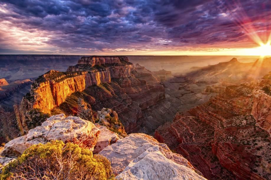 "<strong><a href=""http://viagemeturismo.abril.com.br/atracao/grand-canyon/"" target=""_blank"">Grand Canyon</a> - <a href=""http://viagemeturismo.abril.com.br/paises/estados-unidos/"" target=""_blank"">Estados Unidos</a></strong>"