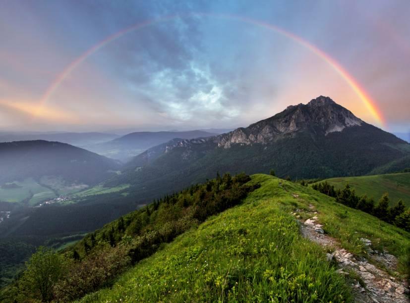 As montanhas da Eslováquia são algumas das mais marcantes dos Cárpatos