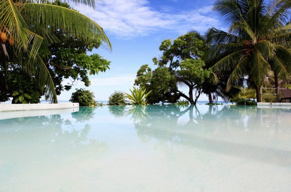 "Piscina do <a href=""http://www.booking.com/hotel/pf/tikehau-pearl-beach-resort.pt-br.html?aid=332455&label=viagemabril-hoteisflutuantes"" rel=""Tikehau Pearl Beach Resort"" target=""_blank"">Tikehau Pearl Beach Resort</a>"