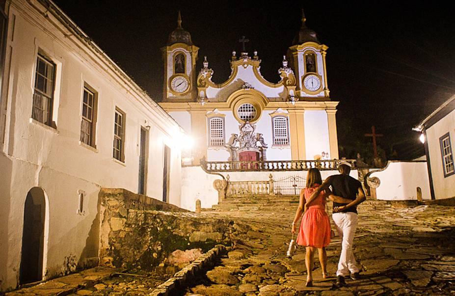 A noite emTiradentespode ser muito romântica: a luzbranda acompanha o clima pacato dacidade, com suas ruas de pedra vazias e casarões