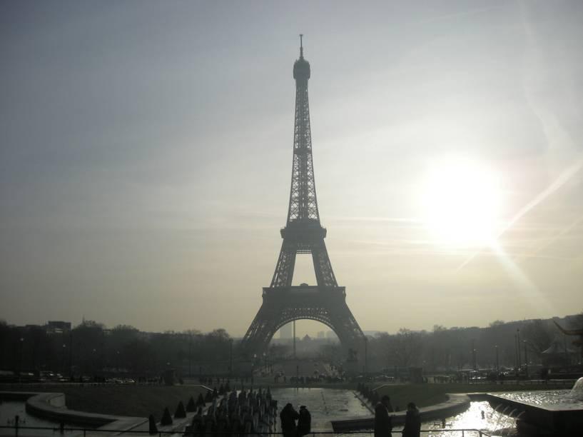 A vista da Torre Eiffel a partir do Palais Chaillot é uma das mais populares entre os turistas.