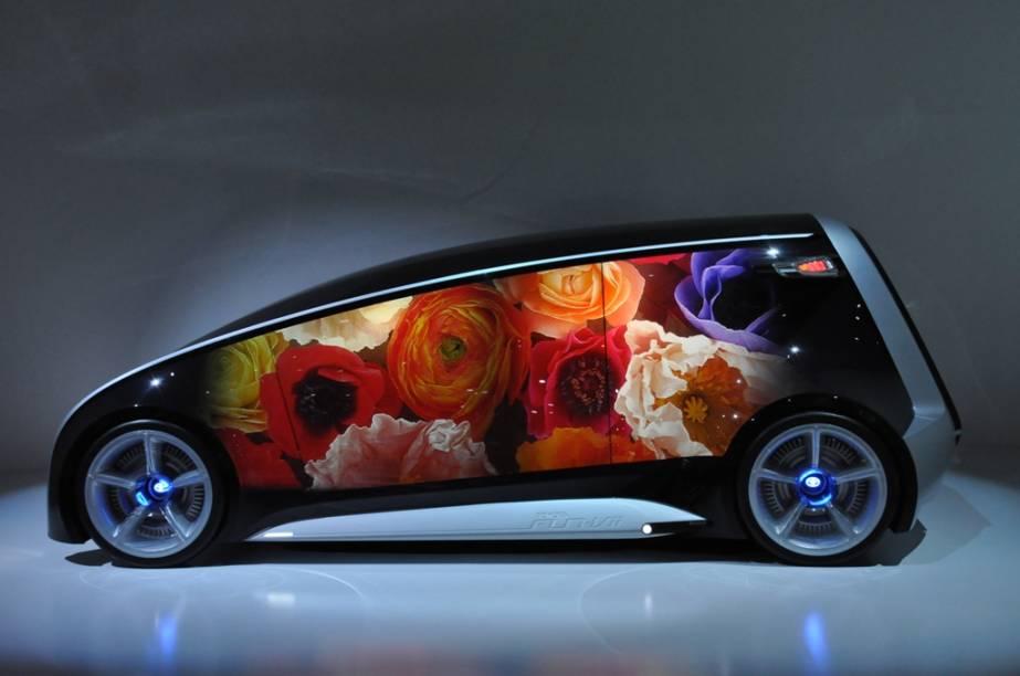 O curioso conceito Toyota Fun-Vii muda de aparência conforme o ambiente e interage com outros carros, pretendendo ser um exemplo em conectividade. Para muitos, é quase um smartphone sobre rodas