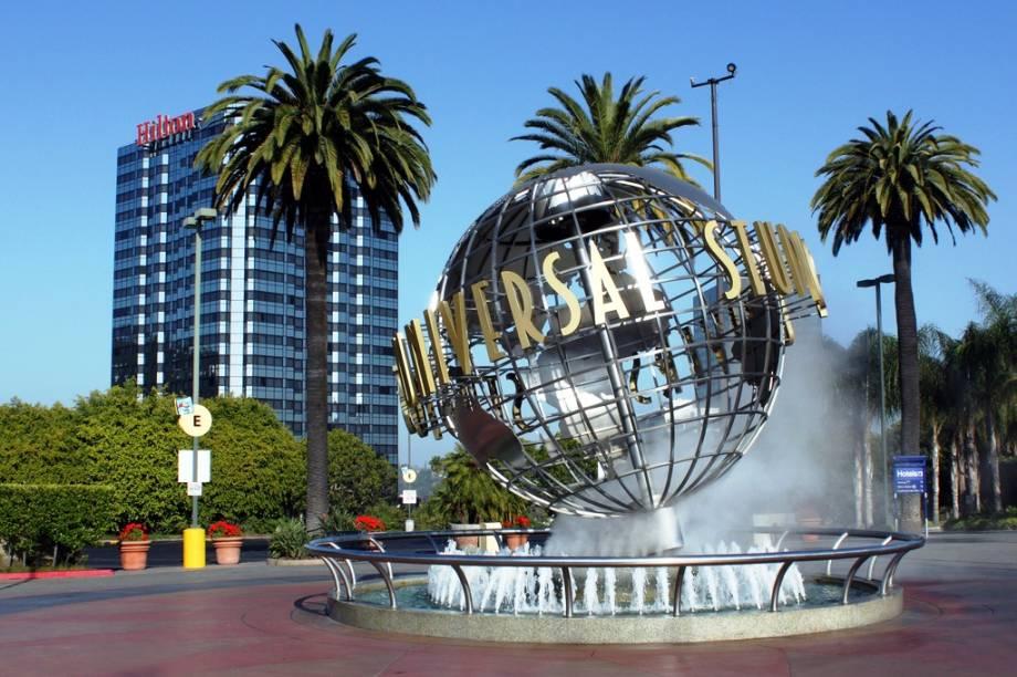 """<strong>4. <a href=""""http://viajeaqui.abril.com.br/estabelecimentos/estados-unidos-los-angeles-atracao-universal-studios-hollywood"""" rel=""""Universal Studios Hollywood – Los Angeles, EUA """" target=""""_blank"""">Universal Studios Hollywood – Los Angeles, EUA </a></strong>                            É parada importante para quem vai a Los Angeles pela primeira vez. O que chama a atenção é a mistura do parque com um grande estúdio de cinema"""