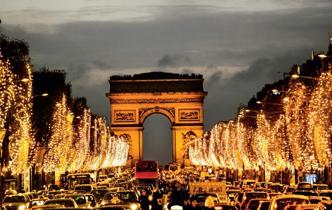 O mercadinho de Natal de Champs-Élysées é o mais clássico de Paris