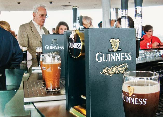 Na Guinness Storehouse, um literal mergulho na história da bebida mais celebrada da Irlanda mundialmente