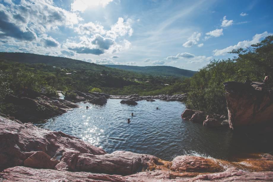 """<strong>13. Caminhada pelo Vale do Capão</strong>A cidade em si tem atmosfera meio hippie e dela partem trekkings difíceis e belos pelo Vale do Paty (somente com guia, que pode ser contratado na cidade mesmo).<a href=""""https://www.booking.com/searchresults.pt-br.html?aid=332455&sid=8118a1a04f2fb6081078124dc7c2384f&sb=1&src=searchresults&src_elem=sb&error_url=https%3A%2F%2Fwww.booking.com%2Fsearchresults.pt-br.html%3Faid%3D332455%3Bsid%3D8118a1a04f2fb6081078124dc7c2384f%3Bclass_interval%3D1%3Bdest_id%3D-646477%3Bdest_type%3Dcity%3Bdtdisc%3D0%3Bfrom_sf%3D1%3Bgroup_adults%3D2%3Bgroup_children%3D0%3Binac%3D0%3Bindex_postcard%3D0%3Blabel_click%3Dundef%3Bno_rooms%3D1%3Boffset%3D0%3Bpostcard%3D0%3Braw_dest_type%3Dcity%3Broom1%3DA%252CA%3Bsb_price_type%3Dtotal%3Bsearch_selected%3D1%3Bsrc%3Dindex%3Bsrc_elem%3Dsb%3Bss%3DIgatu%252C%2520%25E2%2580%258BBahia%252C%2520%25E2%2580%258BBrasil%3Bss_all%3D0%3Bss_raw%3DIgatu%3Bssb%3Dempty%3Bsshis%3D0%26%3B&ss=Vale+do+Cap%C3%A3o%2C+Bahia%2C+Brasil&is_ski_area=&ssne=Igatu&ssne_untouched=Igatu&city=-646477&checkin_monthday=&checkin_month=&checkin_year=&checkout_monthday=&checkout_month=&checkout_year=&no_rooms=1&group_adults=2&group_children=0&b_h4u_keep_filters=&from_sf=1&ss_raw=Vale+do+&ac_position=0&ac_langcode=xb&dest_id=900050209&dest_type=city&place_id_lat=-12.60937&place_id_lon=-41.500233&search_pageview_id=8e738a17fe1c0014&search_selected=true&search_pageview_id=8e738a17fe1c0014&ac_suggestion_list_length=5&ac_suggestion_theme_list_length=0"""" target=""""_blank"""" rel=""""noopener""""><em>Busque hospedagens no Vale do Capão</em></a>"""