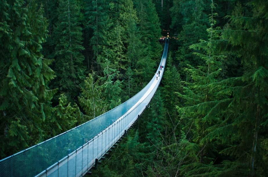 """<strong>Ponte Suspensa Capilano, Vancouver</strong>É quase um slackline tamanho família. Se você já fez arvorismo e curtiu, este parque na parte norte de <a href=""""http://viajeaqui.abril.com.br/cidades/canada-vancouver"""" rel=""""Vancouver """">Vancouver </a>reserva diversas emoções"""