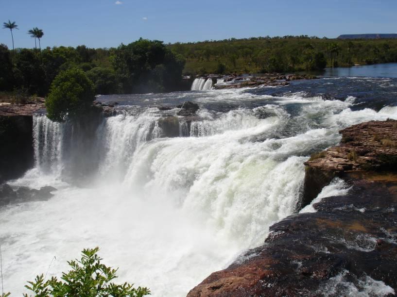 """<a href=""""http://viajeaqui.abril.com.br/cidades/br-to-jalapao"""" rel=""""Jalapão"""" target=""""_blank""""><strong>Jalapão</strong></a>    A Cachoeira da Velha, localizada no Rio Novo, é uma das principais atrações do Jalapão, no Tocantins"""
