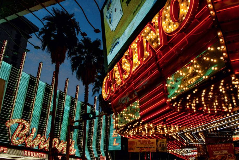 Os neons históricos de Old Vegas, onde tudo começou
