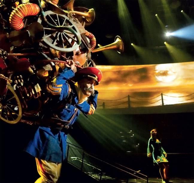 O espetáculo Love, do Cirque du Soleil, em seu momentoSgt. Pepper's