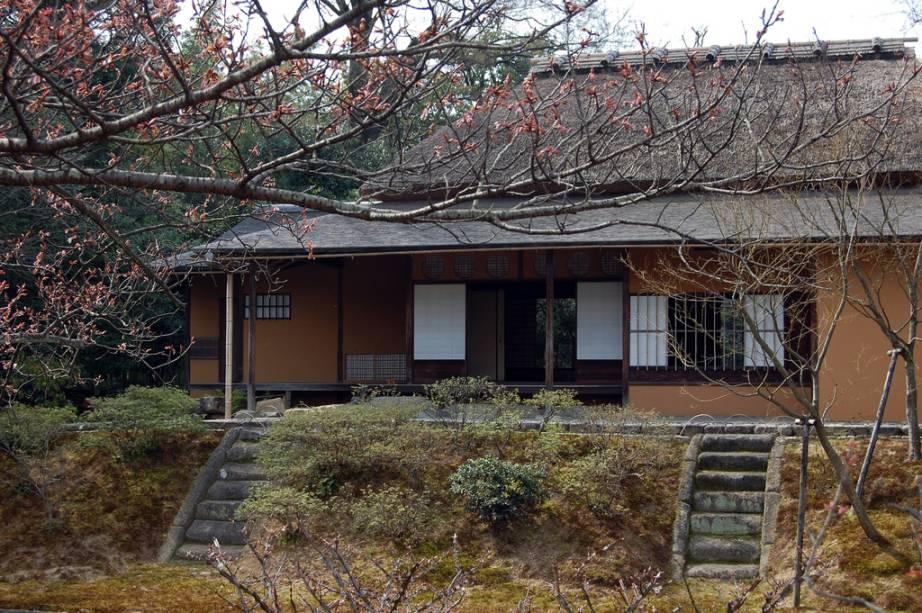 Por trás da simplicidade de suas linhas, a vila imperial Katsura Rikyu foi elaborada com as mais refinadas técnicas arquitetônicas