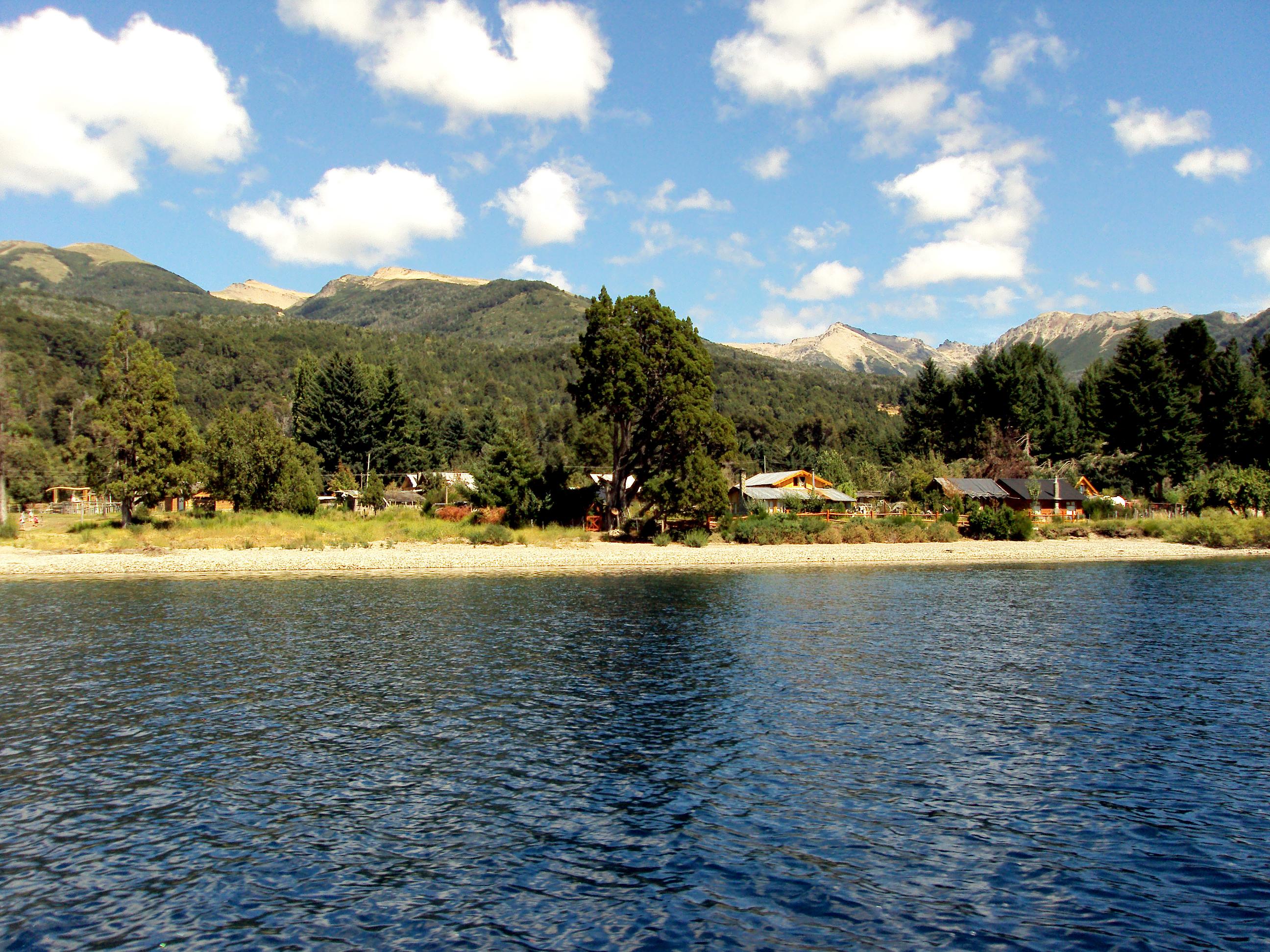 Villa Traful - Ruta de los Siete Lagos - Argentina - Wikimedia Commons - Luis Carrera