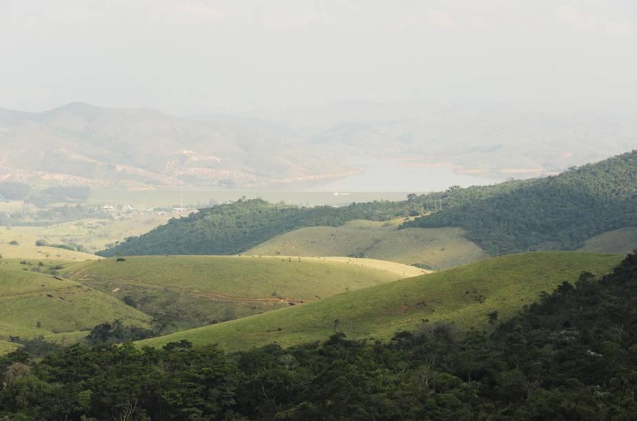 Vista de uma das trilhas do parque