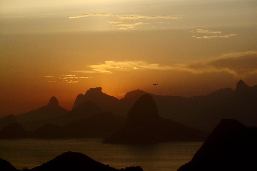 """Demos a volta ao mundo, mas, sejamos sinceros, existem montanhas mais belas do que as do <a href=""""http://viajeaqui.abril.com.br/cidades/br-rj-rio-de-janeiro"""" rel=""""Rio de Janeiro"""" target=""""_blank"""">Rio de Janeiro</a>?"""