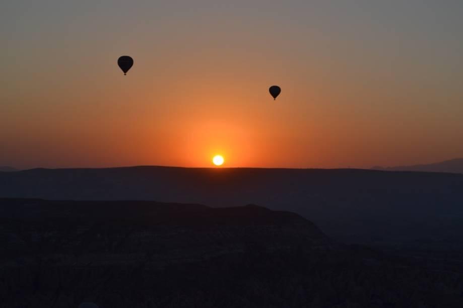 """Balões no nascer do sol da Capadócia, <a href=""""http://viajeaqui.abril.com.br/paises/turquia"""" rel=""""Turquia"""" target=""""_blank"""">Turquia</a>"""