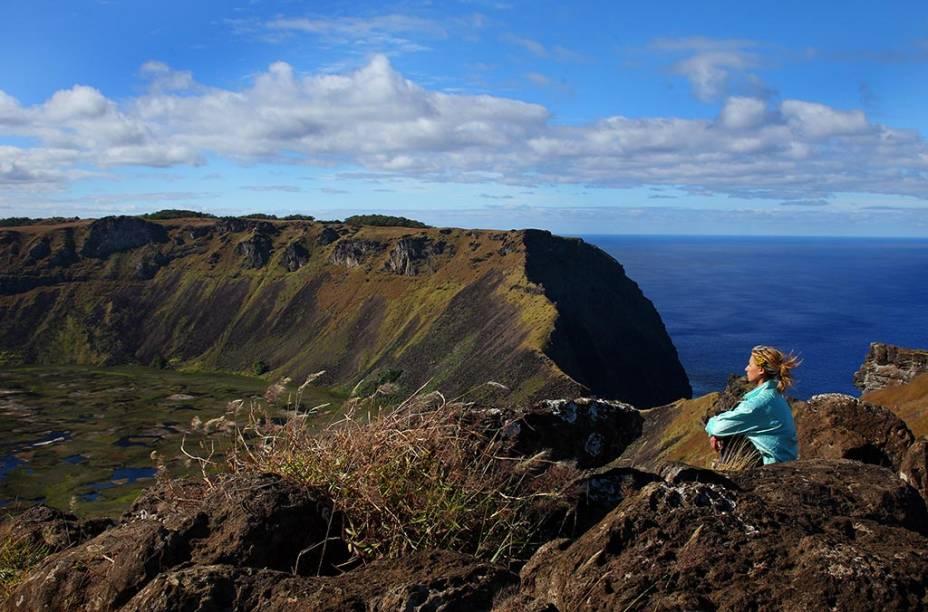 O Vulcão Orongo localiza-se na Ilha de Páscoa, considerada como a região mais árida do planeta. Suas paisagens impressionantes ficam na memória dos turistas