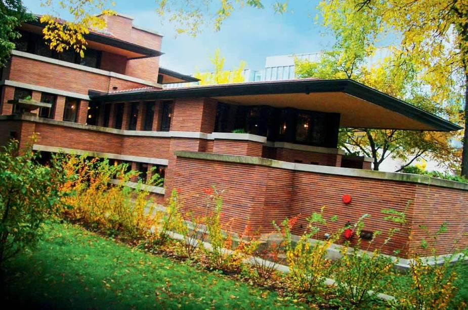 """<a href=""""http://flwright.org/"""" rel=""""Casa de Frank Lloyd Wright"""" target=""""_blank""""><strong>Casa de Frank Lloyd Wright</strong></a>    """"Para quem gosta, é um banho de arte e arquitetura. Fica ao lado da Universidade de Chicago, que também tem uma arquitetura gótica inspiradora e é um grande celeiro de prêmios Nobel."""""""