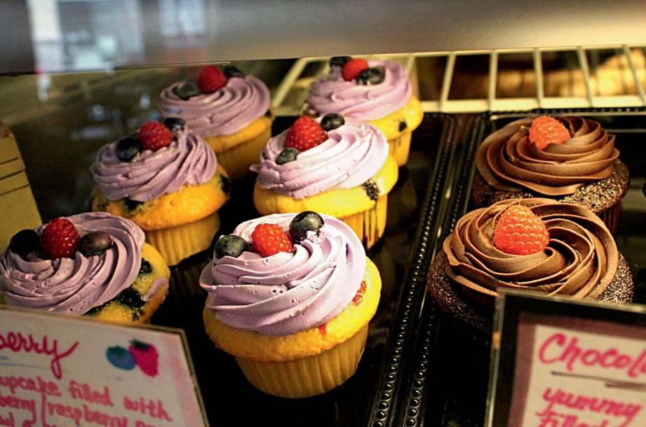 """<a href=""""http://sprinkles.com/"""" rel=""""Sprinkles Cupcakes"""" target=""""_blank""""><strong>Sprinkles Cupcakes</strong></a>    """"São deliciosos, e o lugar é um dos mais bacanas da cidade. Galera bonita, lojas premium e os melhores restaurantes estão por perto!"""""""