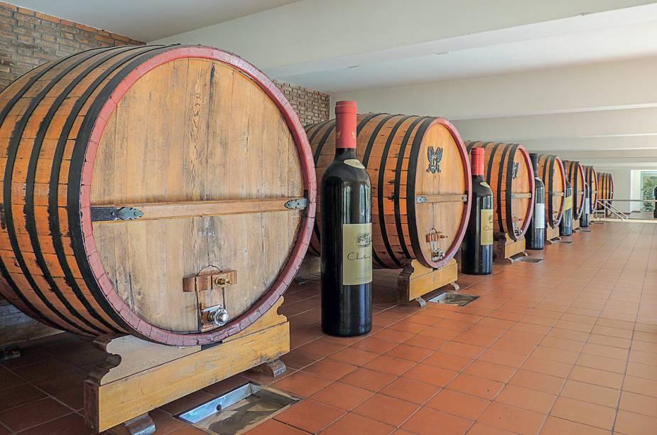 """<strong>López</strong>""""Os vinhos são elaborados em tonéis de carvalho gigantes com mais de 80 anos, às vezes armazenados por 15 anos. Vá ao museu localizado abaixo da loja, com máquinas antigas e muitas fotos.""""<em>Endereço: Ozamis, 375, General Gutierrez, Maipú, 261/497-2406</em><em>Funcionamento: de segunda a sexta, das 9h às 17h; aos sábados, das 9h30 às 12h30.</em>"""